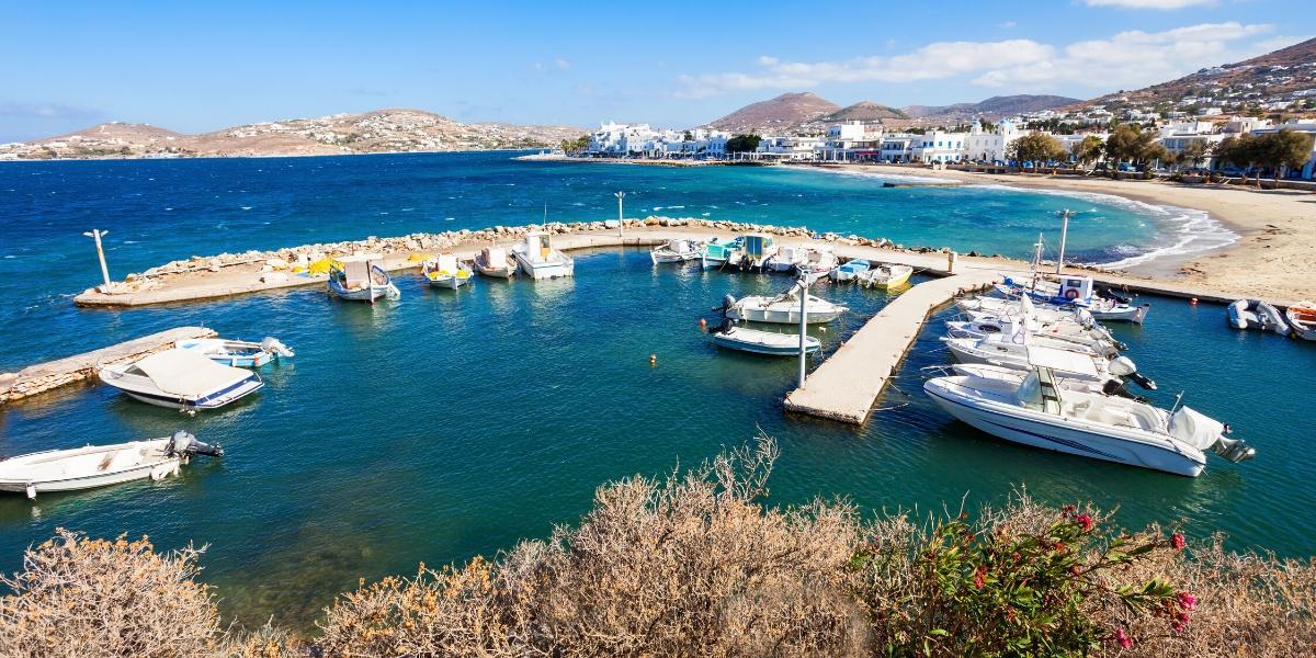 λιμάνι, προβλήτα, γαλάζια νερλα, βάρκες, Πάρος