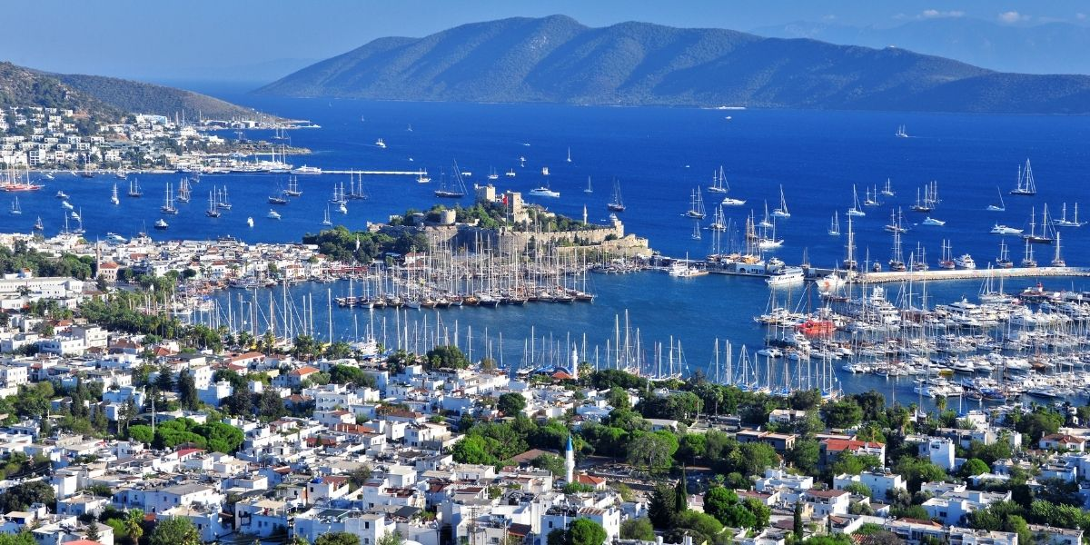 the port of Bordum, turkish coast, sailing boats, ferries, castle of St.Peter, blue sea