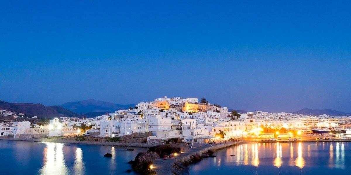 The port of Naxos at night