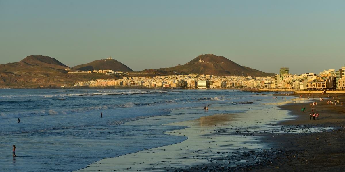 Playa de las Canteras in Las Palmas, Gran Ganaria