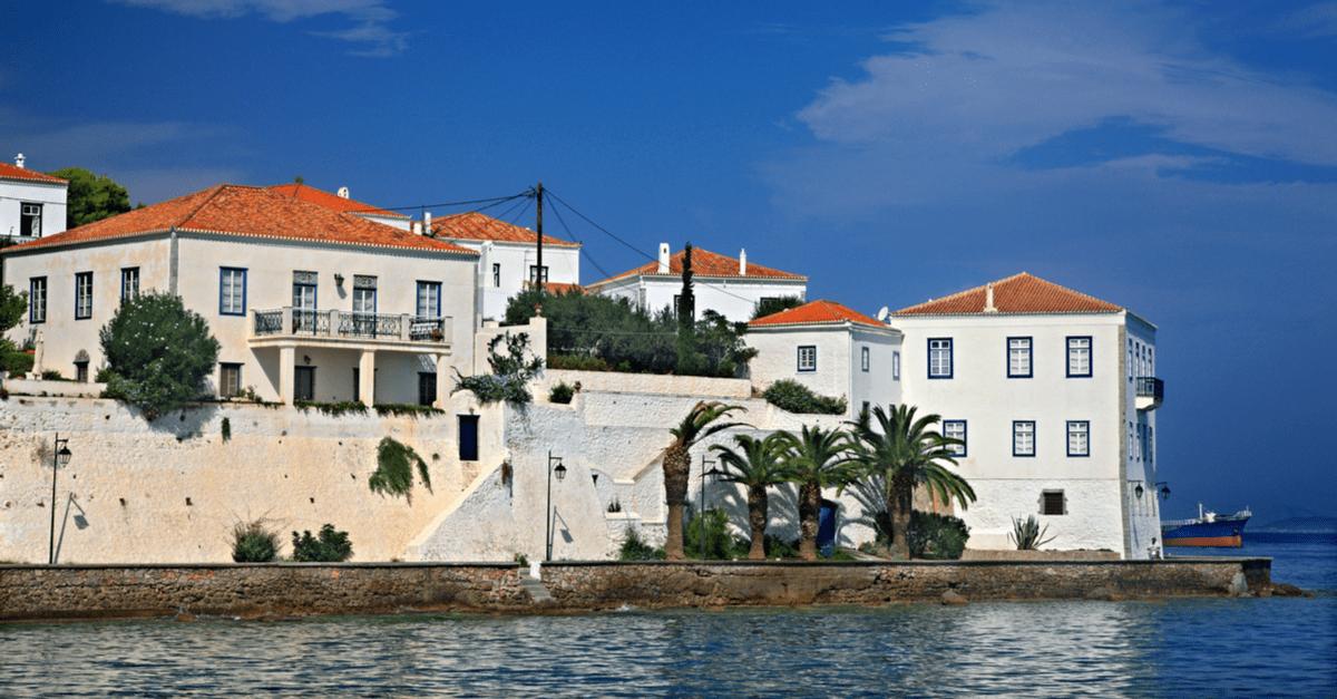 A daytrip in islands near Athens