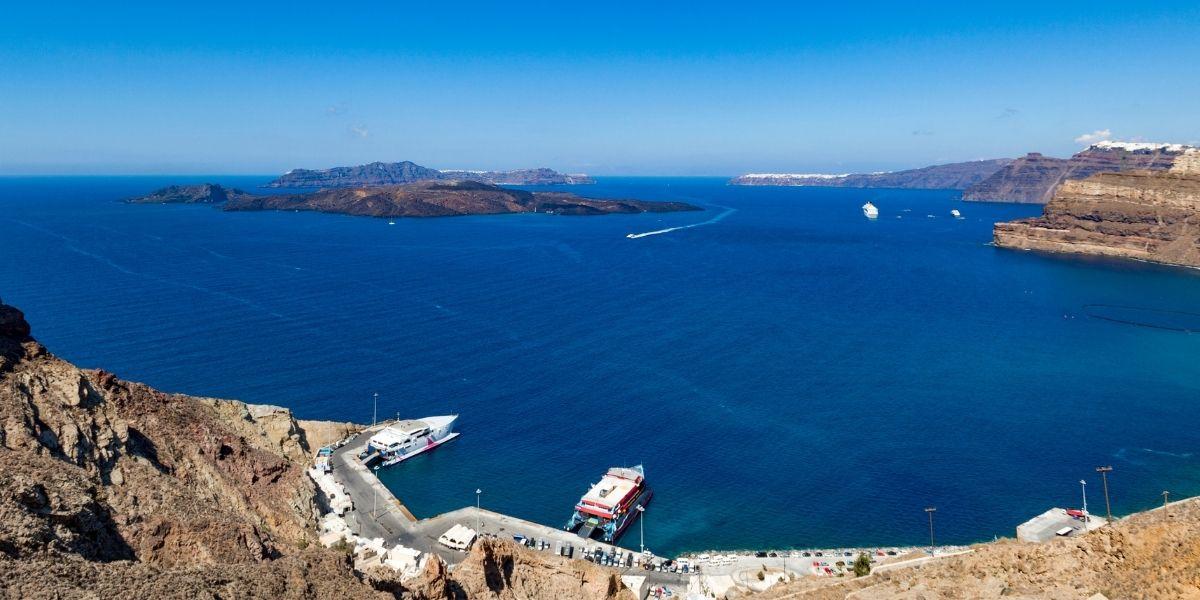 Santorini's ferry port, Athinios