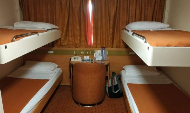 Τετράκλινη καμπίνα στο πλοίο για Κρήτη - είδη εισιτηρίων - ταξίδι με πλοίο - ακτοπλοικά