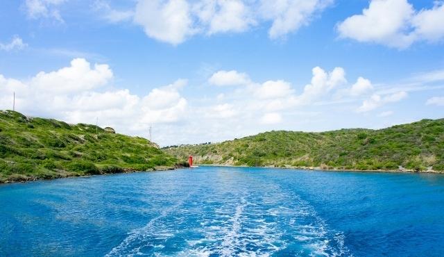 Ferry saliendo de Menorca