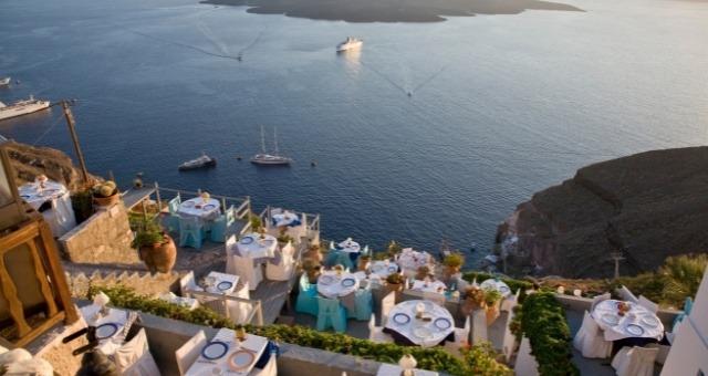 Ristorante con vista a Santorini