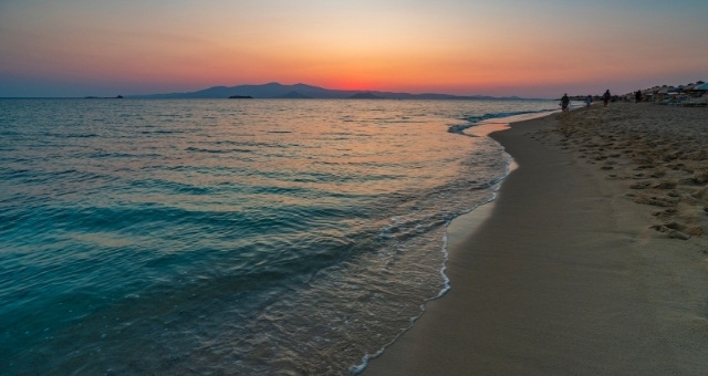 Sunset at Plaka beach in Naxos