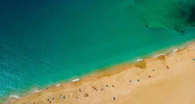 Emerald waters in La Graciosa