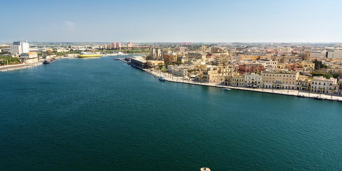 Der Hafen von Brindisi