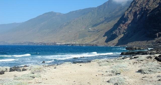 Wilder Strand auf El Hierro