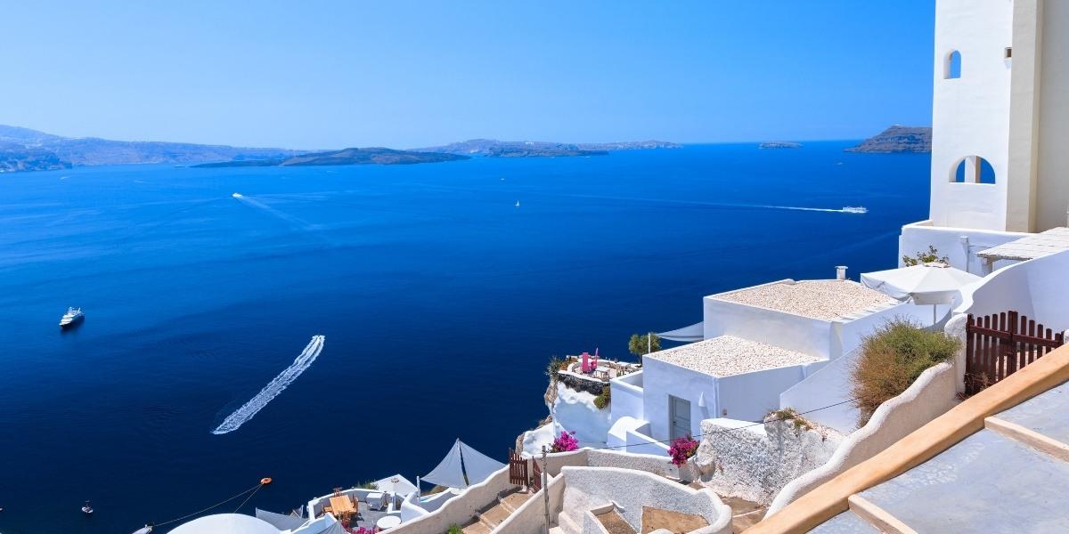 Ферибота за Миконос тръгва от Санторини