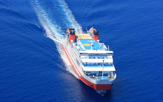 μπλε θάλασσα, πλόιο για Κάσο