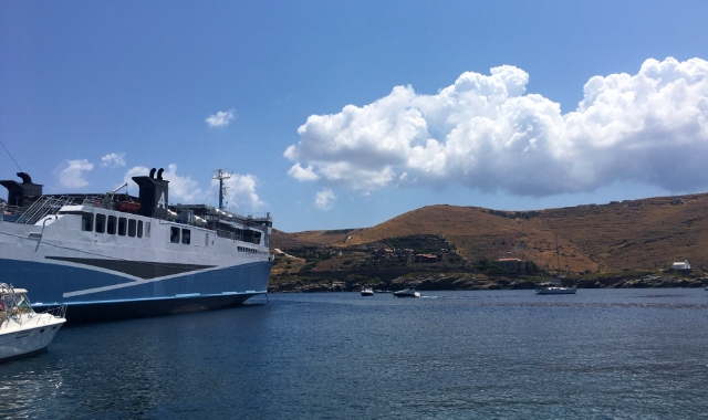 white and blue ferry, sea