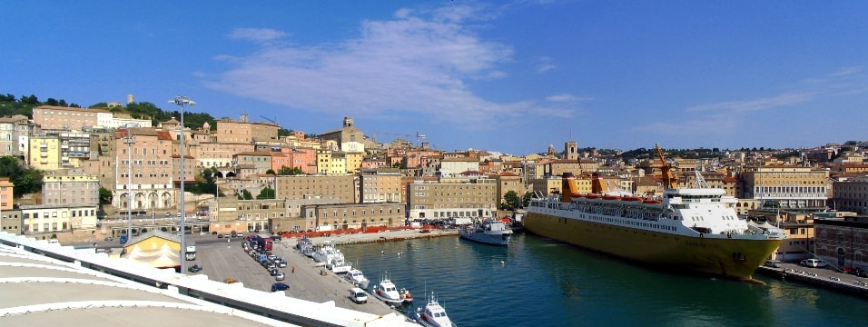 The historical centre and port of Ancona, ferries from Italy to Greece, departures and arrivals
