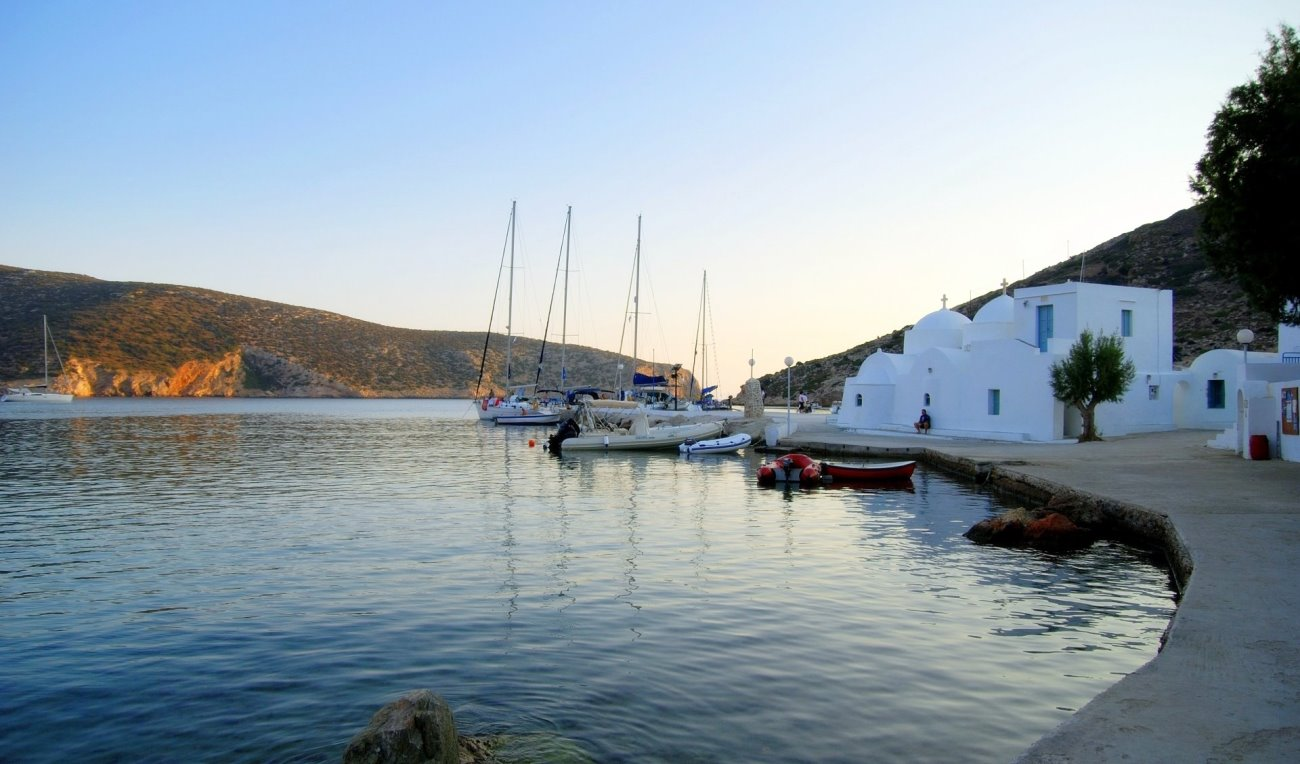 Athens to Sifnos, ferry details, price ranges and schedules