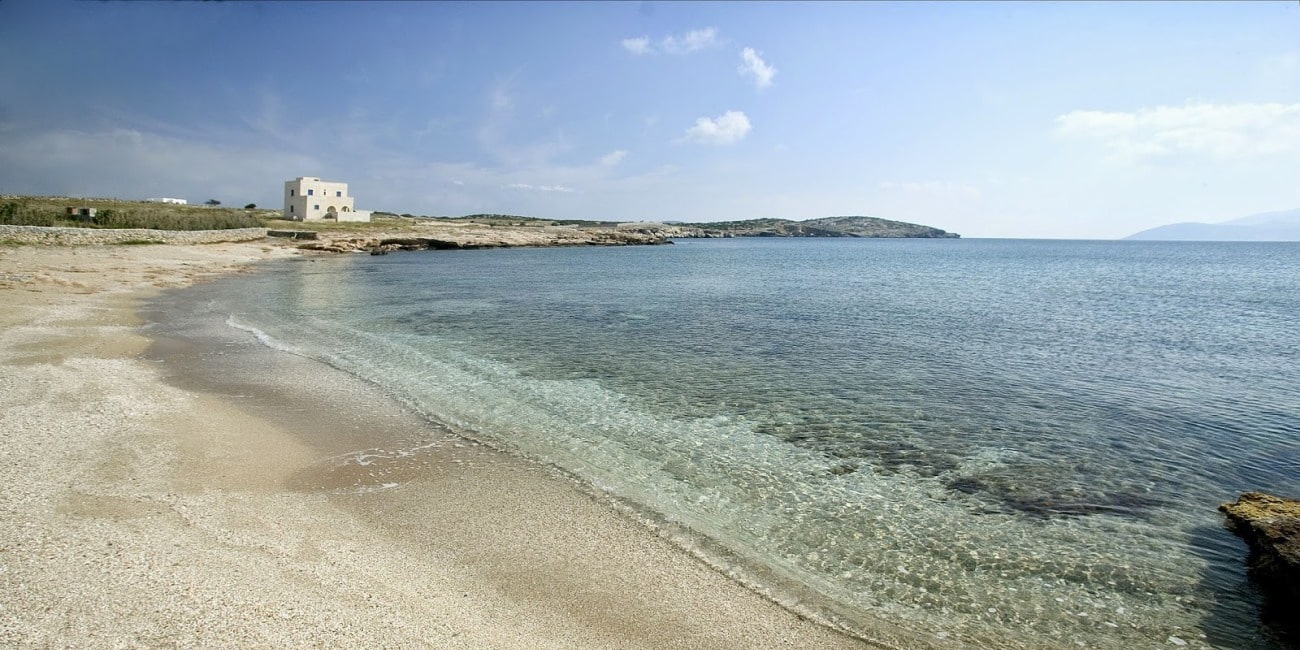 Serenity in a beatiful beach of Schinoussa. Book your ferry tickets to Schinoussa now!
