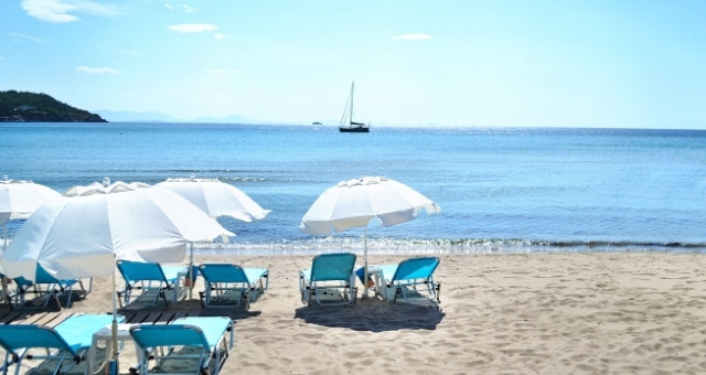 Sandy beach in Agia Marina, Aegina