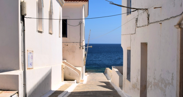 alley to the blue sea, white houses in Andros