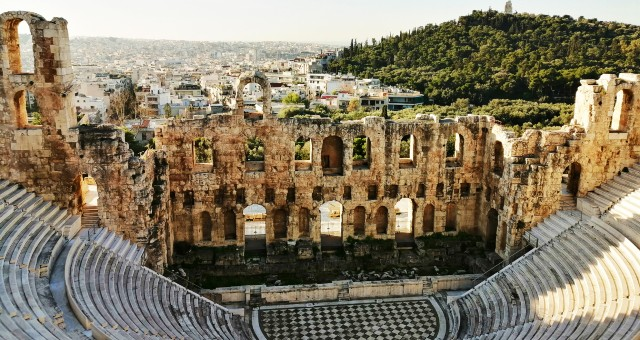The city of Athens and the Roman theatre of Herodes Atticus