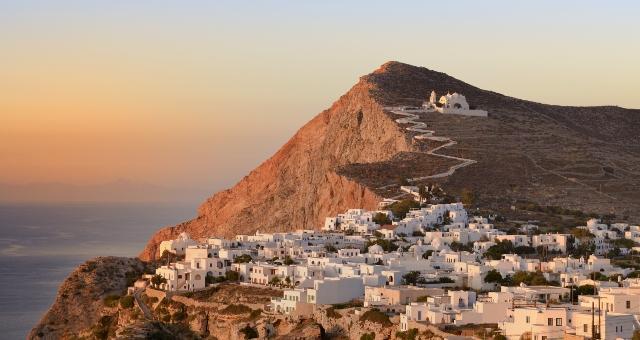 Ηλιοβασίλεμα, Χώρα Φολεγάνδρου, Παναγιά, λευκά σπίτια, θάλασσα, θέα Αιγαίο, διακοπές, Κυκλάδες, δρομολόγια