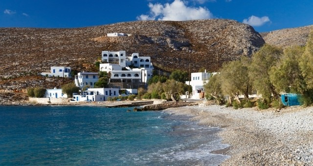 beach in Folegandros with pebbles