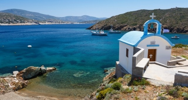 crystal beach and chapel in Fourni