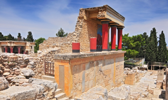 Knossos, ancient ruins, red monuments, ferry routes to Heraklion and Crete