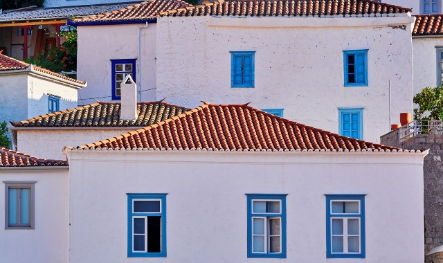 White houses of traditional architecture in Hydra
