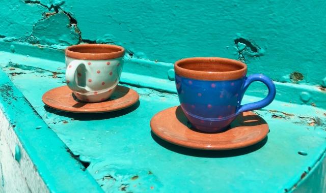 πολύχρωμα φλιτζάνια, γαλάζιο, μπλε, πορτοκαλί