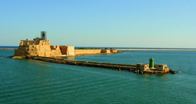 Castle, isola forte, Brindisi, port, blue sea, horizon, ferry routes in the Adriatic and the Mediterranean