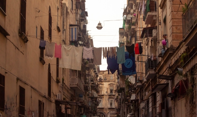 laundry in the city of Naples, city views, walks, ferry routes and tickets
