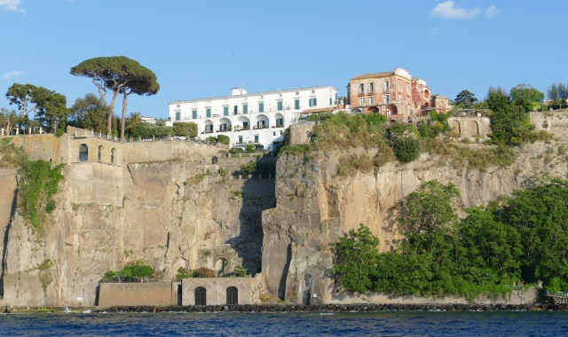 Cliff by the sea, White building, sightseeing, trees, Ischia, Sorrento, ferry routes