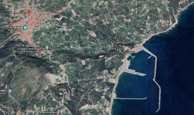 Εικόνα από Google Earth, η κωμόπολη της Κύμης και το λιμάνι