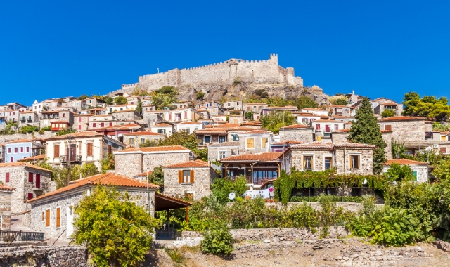 Castle Lesvos town, traditional architecture, holidays and ferry tickets to the Greek islands