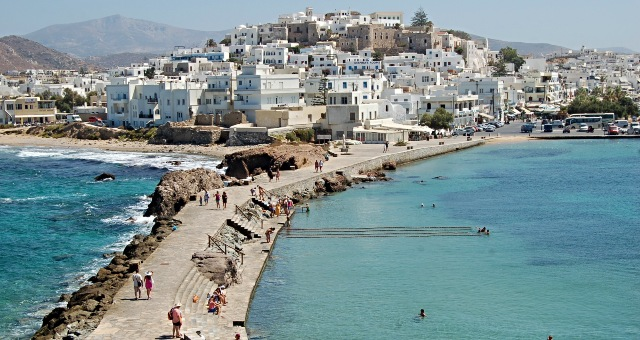 The port of Naxos, sea promenade, white houses, castle, beach, holidays, ferry routes, Cyclades