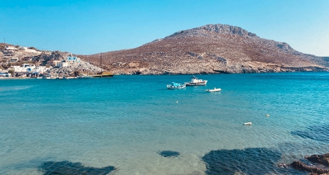 Blue sea in Pserimos