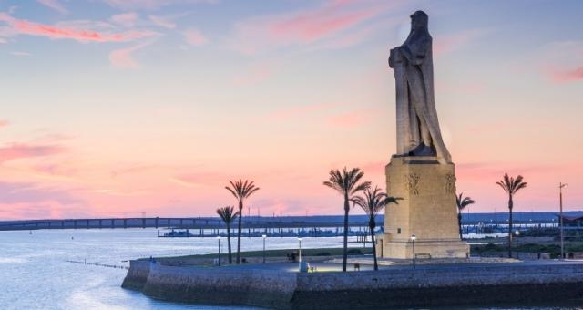 huelva, monument, statue, columbus, sea, sunset, sky, palm trees, spain, atlantic