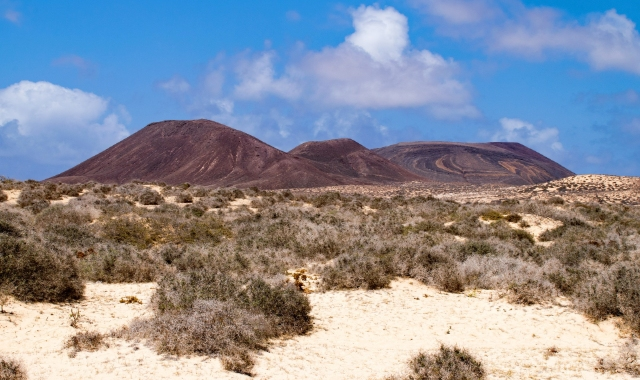 mountain, deserted area, bushes, La Graciosa, Tenerife, Lanzarote, Ferry routes