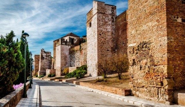 Die Festungsmauern der Alcazaba in Málaga