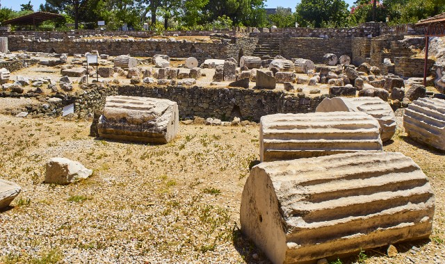 Mausoleum, bodrum, ruins, marble columns, archaeological site, ferry routes Kos - Bodrum